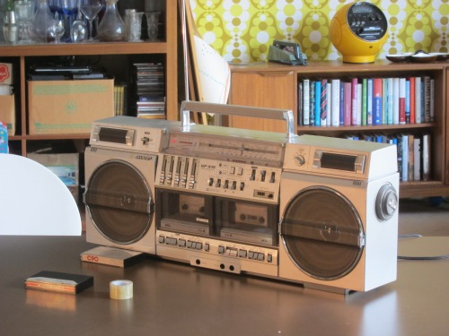 80s-boom-box-ghetto-blaster-tape-deck